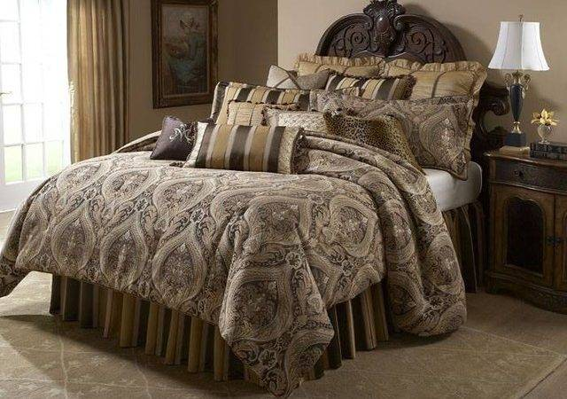 Aico Furniture Lucerne Gold Brown Paisley Queen