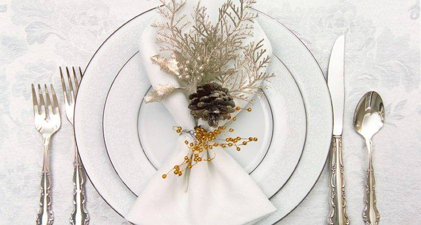 Altogether Christmas Decorating Dining Tabletop