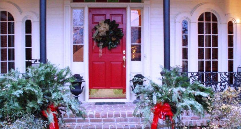Amazing Christmas Front Porch Decorating Ideas