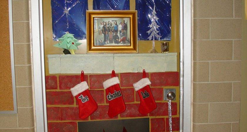 Awesome Christmas Door Decorations Unique Ideas