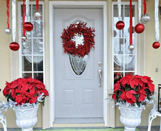 Beautiful Christmas Door Decorating Ideas Your