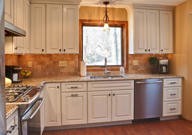 Beautiful Small Traditional Kitchens Concerning Remodel