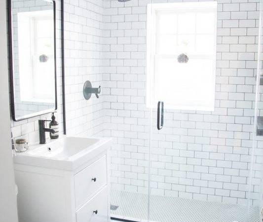 Beautiful Subway Tile Bathroom Designs Small