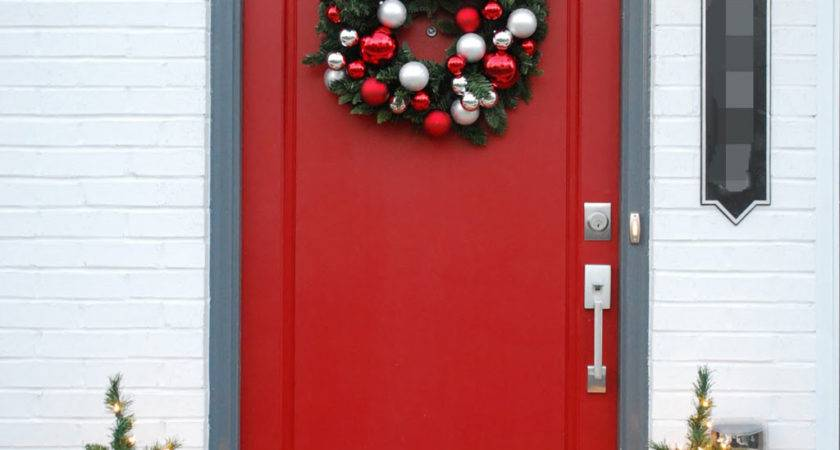 Best Christmas Door Decorations Everyone Adore