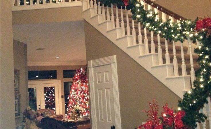 Best Christmas Staircase Ideas Pinterest