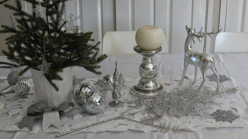 Best White Silver Christmas Table Decorations