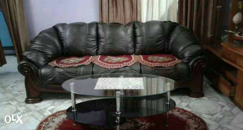 Black Leather Couch Two Armchairs Coffee Table