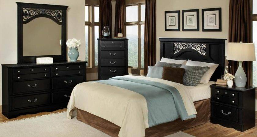 Black Wooden Furniture Ideas Form Beach Themed Bedroom