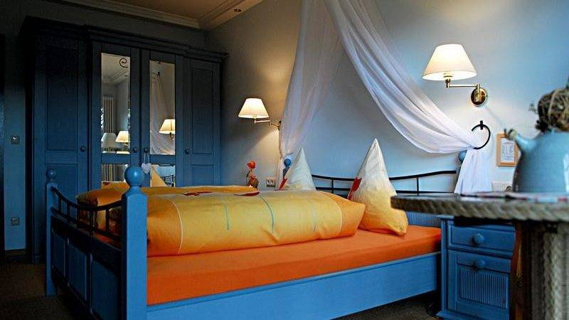 Bloombety Orange Blue Bedroom Designs