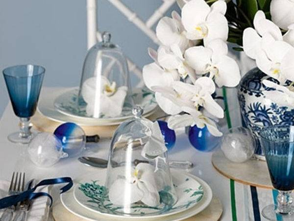 Blue Christmas Table Setting Flower Ornaments