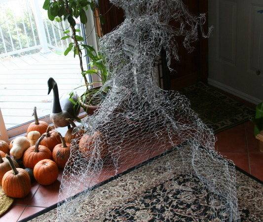 Chicken Wire Ghosts Natoween