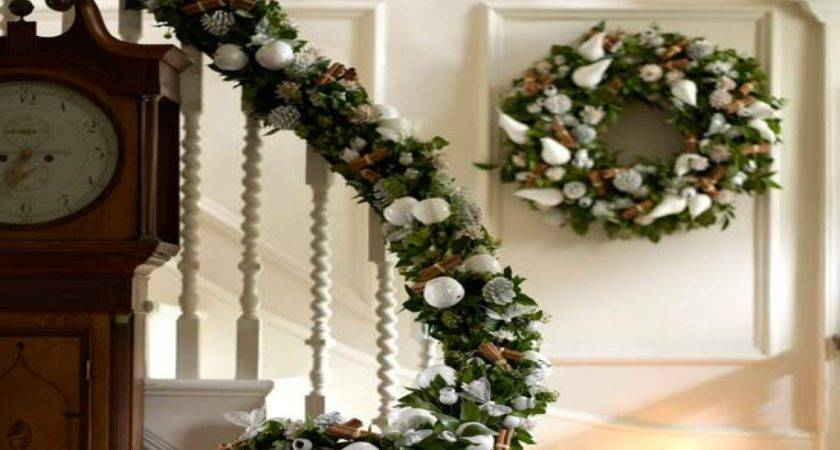 Christmas Banister Ideas Decorations Staircase