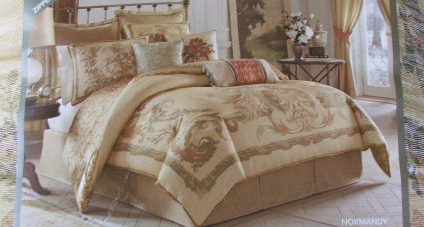 Clearance New Croscill Normandy Queen Comforter