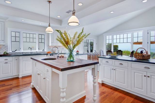 Colonial Coastal Kitchen Traditional San