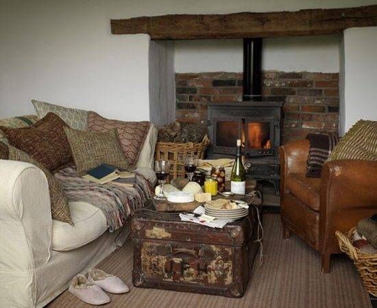 Comfortable Country Living Room Design