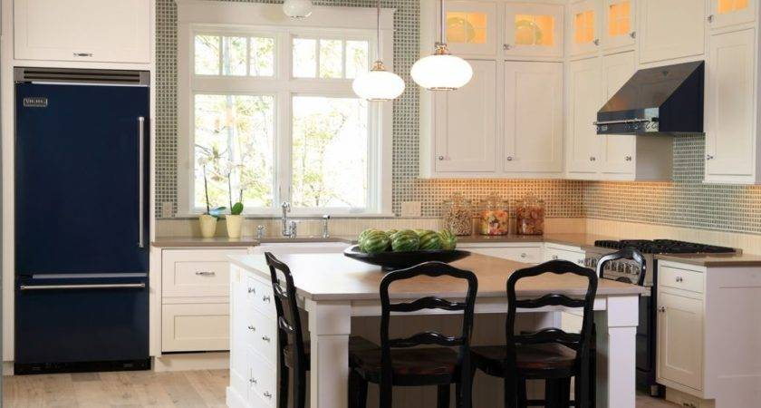 Comfortable Small Kitchen Dining Room Design Island