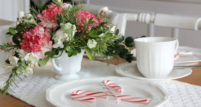 Cool Trendy White Themes Oranaments Christmas Table
