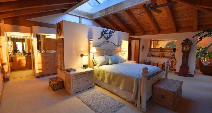 Country Master Bedroom High Ceiling Fan