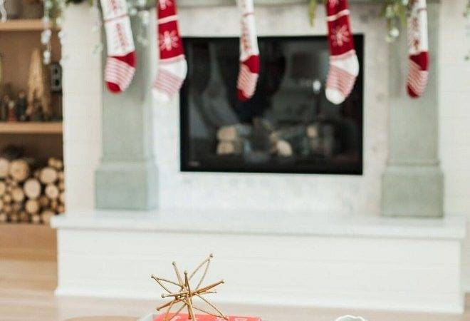 Decorate Coffee Table Christmas