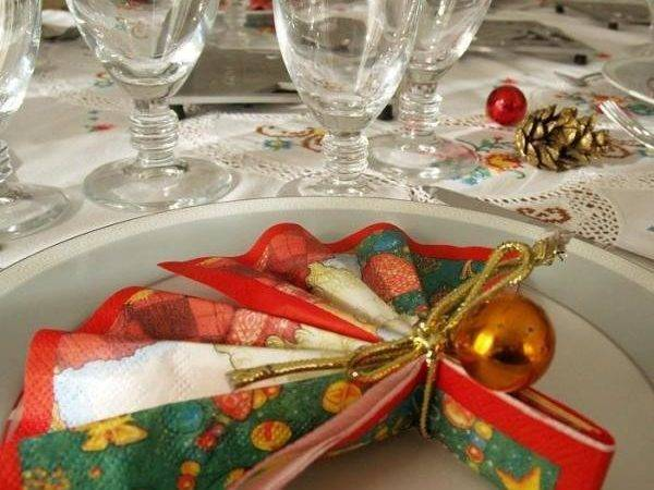 Decorate Your Dining Table Christmas Steps
