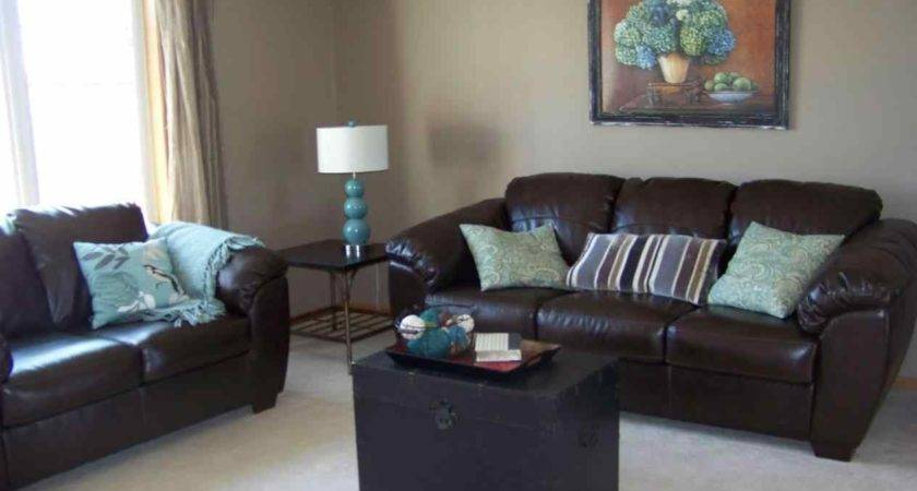 Decorating Blue Leather Couches