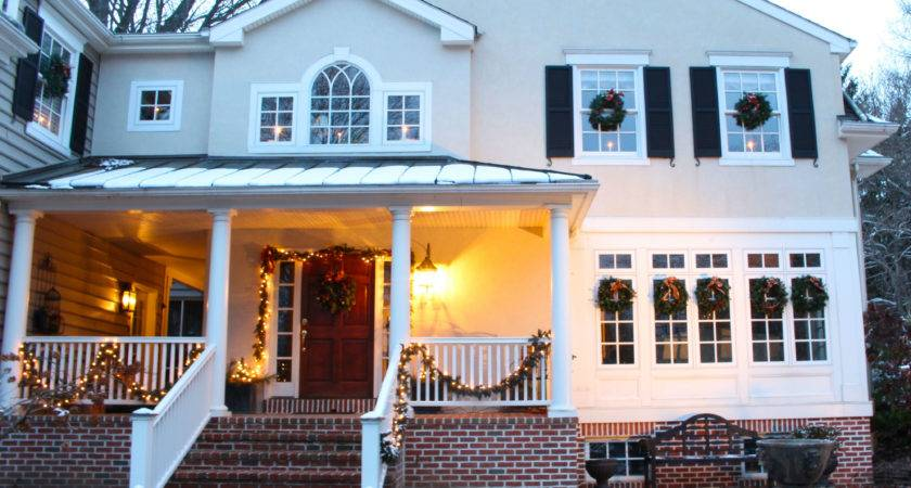 Decorating Outside Your House Christmas