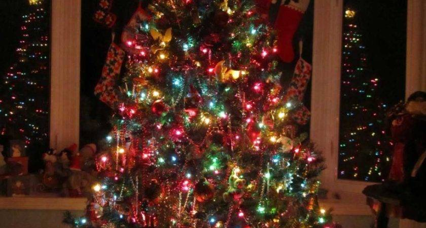 Decoration Ideas Traditional Christmas Tree Colorful