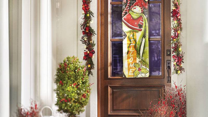 Easy Christmas Outdoor Decorating Ideas