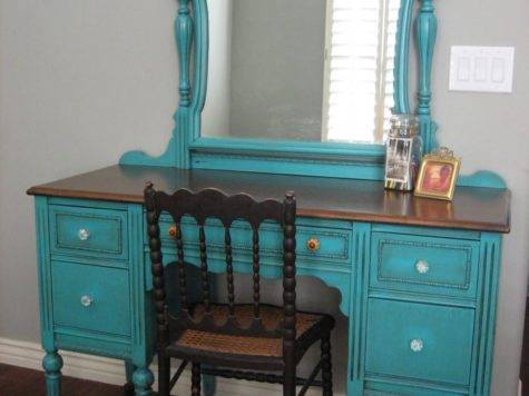 European Paint Finishes Turquoise Teal Cream Bedroom