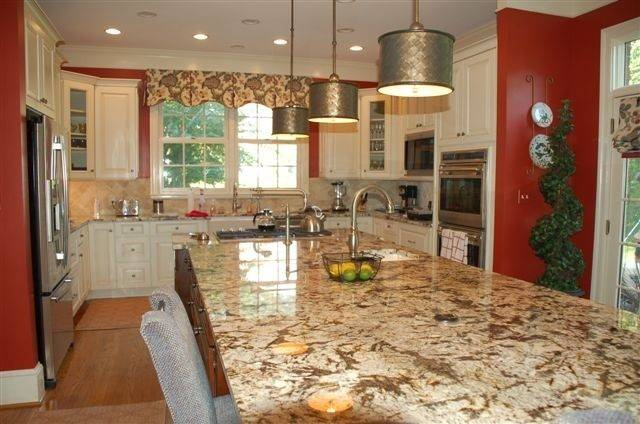 Foot Island Traditional Kitchen Metro