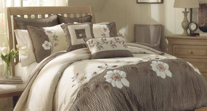 Gray Cream Bedding Set White Floral Pattern Placed
