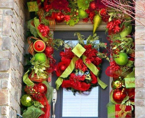 Great Christmas Decoration Options Your Front Door