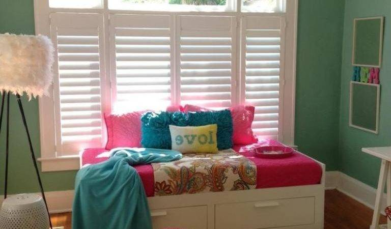 Green Paint Color Special Day Bed Small Bedroom