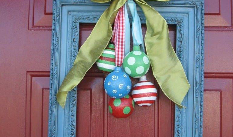 Holiday Door Decor Bells Ringing Homejelly