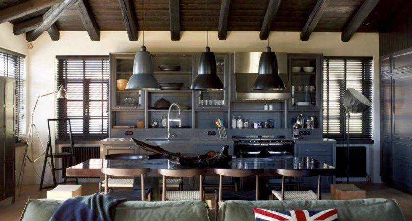 House Combines Industrial Traditional Style