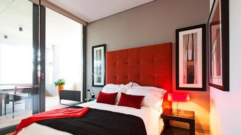 Ideas Bedrooms Modern Red White Bedroom