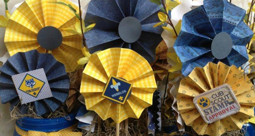 Jenkins Farm Blue Gold Banquet Centerpiece