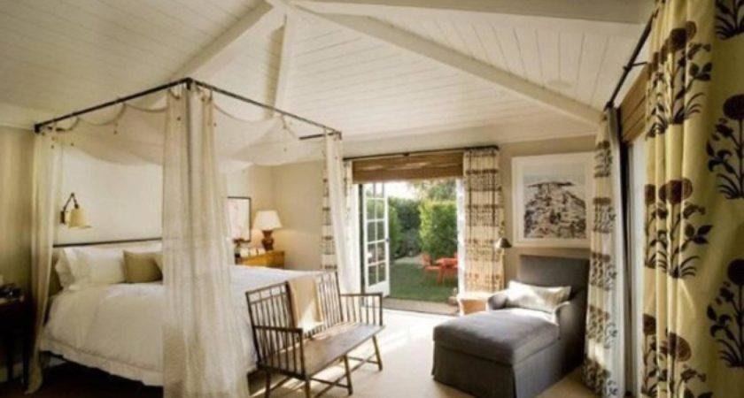Jennifer Aniston Photos Inside Celebrity Homes
