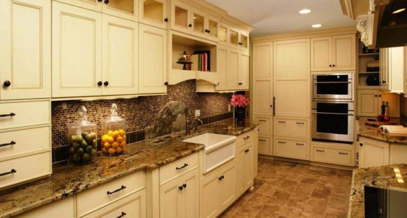 Kitchen Corridor Galley Thermoform Cabinet Doors