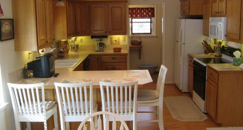 Kitchen Design Ideas Milbourne Almond Maple Breakfast