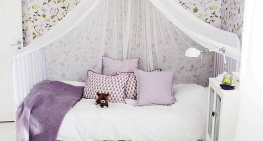 Little Girls Room Canopy Bed