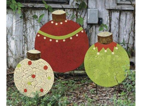 Metal Christmas Ball Garden Stakes Set Outdoor