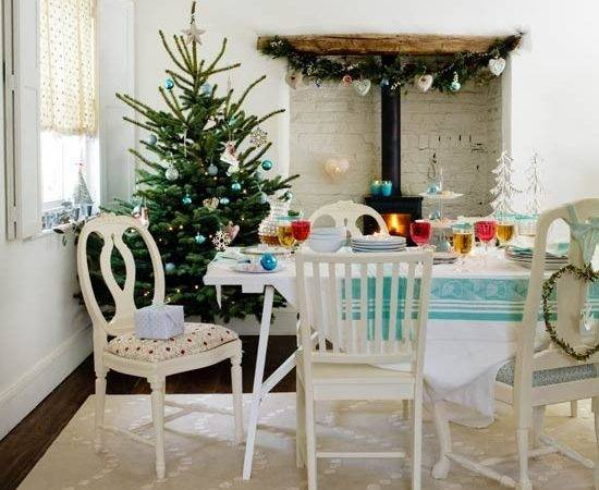 Mix Match Furniture Country Christmas Decorating