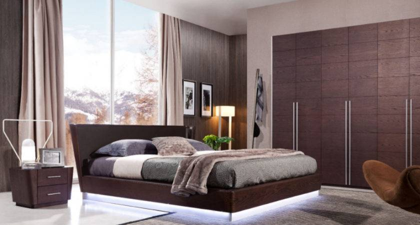 Modern Wooden Bedroom Furniture Set Equipped Led