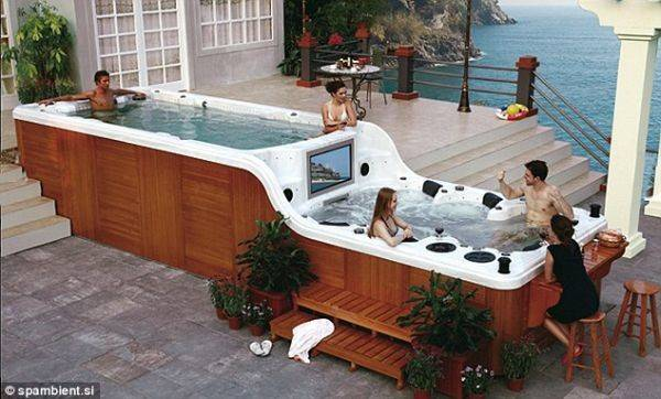 New Tub Spambient Comes Flat Screen