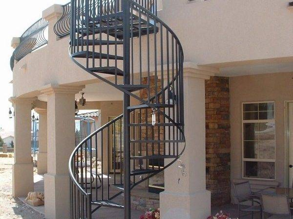 Outdoor Spiral Staircase Designs Complement House
