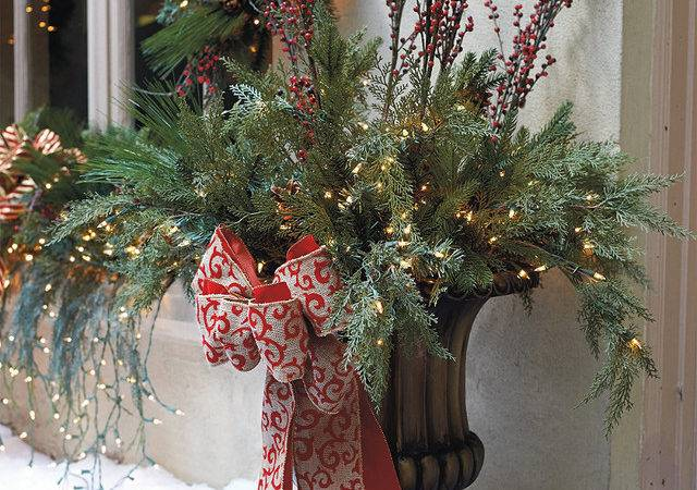 Outdoor Urn Decor Christmas Homes Decoration Tips