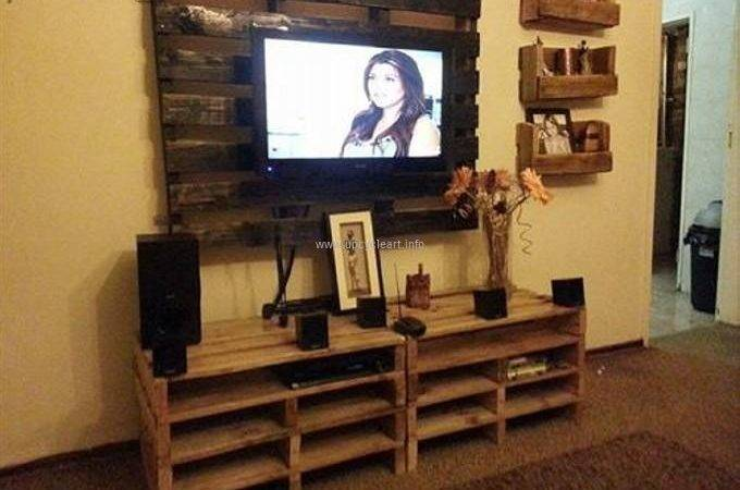 Pallet Stand Ideas Upcycle Art