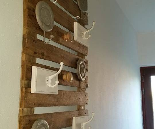 Pallets Wooden Hanging Wall Shelf Pallet Ideas Recycled