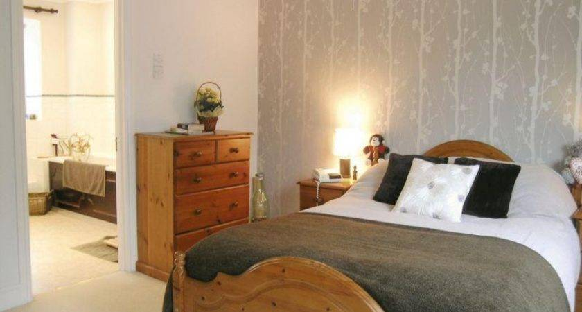 Pine Bedroom Ideas Grey Feature Wall